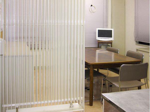 ラジエータ型放射冷暖房の採用