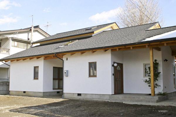 耐久性・耐震性が高い木造建築、結露・シロアリ対策、メンテナンスへの配慮で永く住み継げる家づくり。